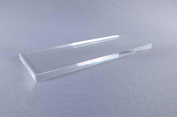 peana-de-metacrilato-10-mm-600x398