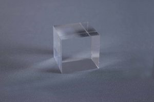 peana-de-metacrilato-50x50x50